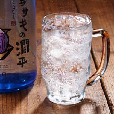 コップに入ったムラサキの潤平
